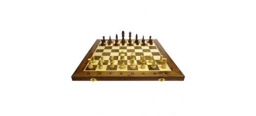 Дървен шах и табла  49 см, фигури 3.5-7.5 см ШАХ И ТАБЛА